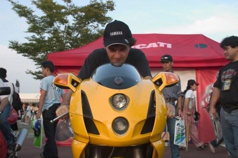 Pierre sur la Ducati 999