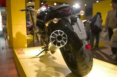La nouvelle Moto Guzzi Griso et son pot disproportionné