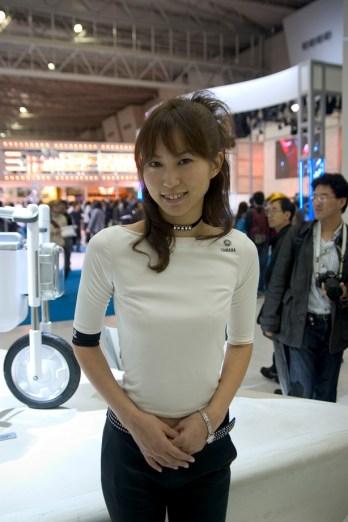 Une hôtesse Yamaha