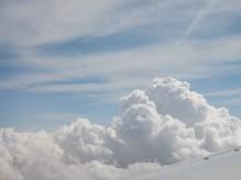 Les nuages quelque part entre Tokyo et Chicago.