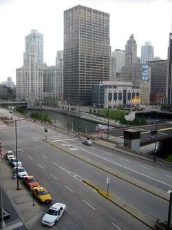Vue sur Wacker Drive, Chicago, Illinois. Vue de mon hotel.