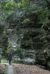 ... au bord de remparts naturels de roche.