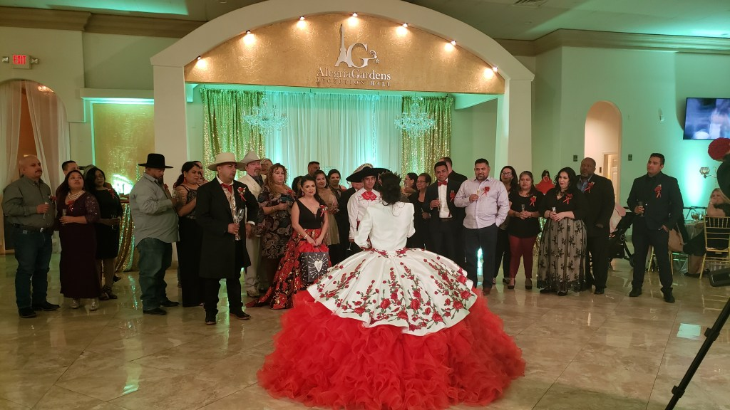 How to Hire the Best DJ in Houston for Quinceaneras