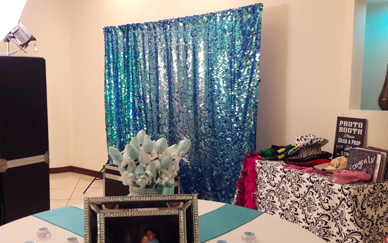 Photo Booth Backdrop Turquoise
