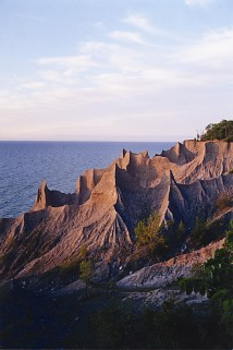 #58835 Chimney Bluffs America' Byways