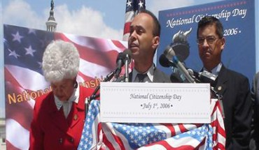 "Rep. Luis Gutierrez says Hispanics are ""angry and disillusioned"" at President Obama - Photo: luisgutierrez.house.gov"