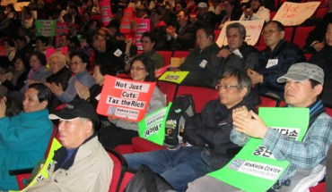 A group of 700 immigrants in New York State rallied in Albany for the preservation of services in the governor's budget (Photo: New York Immigration Coalition)