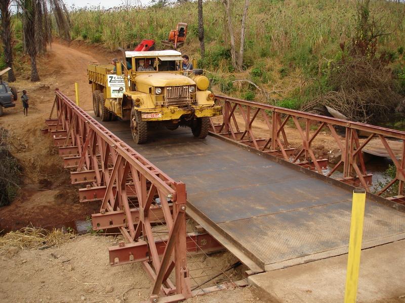 • Vehicle bridges in Guinea • West Africa
