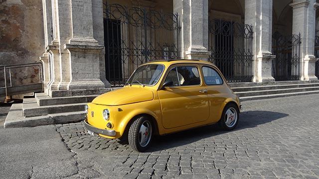 Fiat 500 gialla