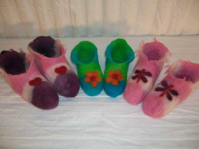 Wet felted slippers, resist felting,Fiberartsy.com