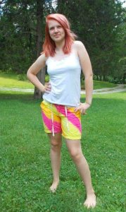 Paint those Ugly Shorts! Fabric Painting 101