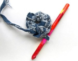 How to Crochet Denim Yarn into Trivets