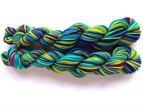 How to Dye Self Striping Yarn, FiberArtsy.com