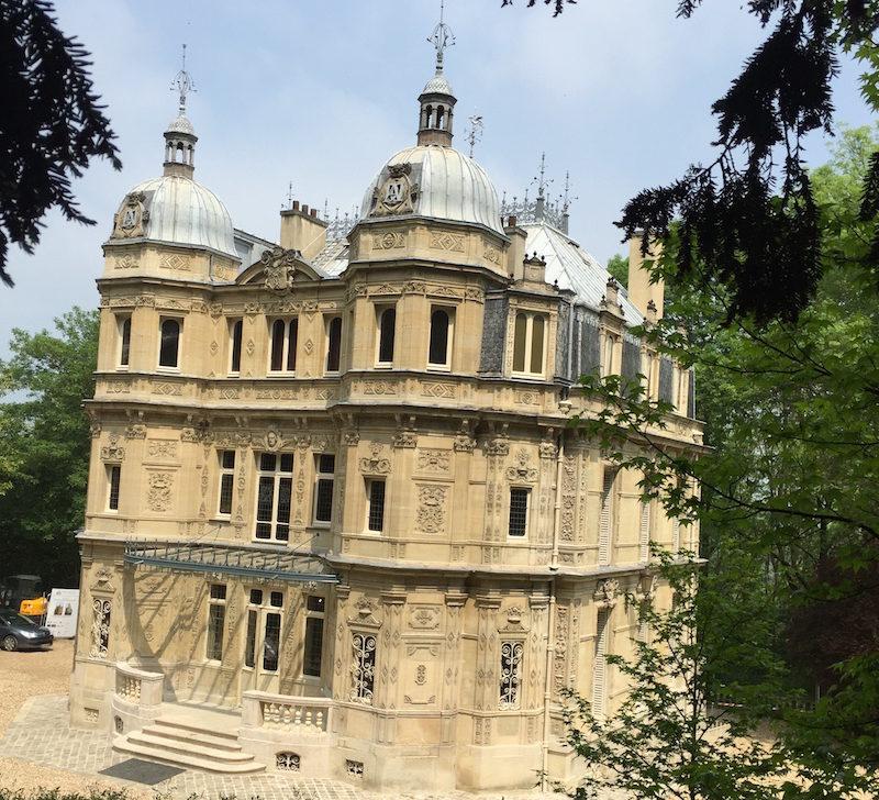 Dumas' Castle, Première Partie (Part 1)
