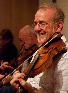 Learn to play the fiddle in a fiddle class