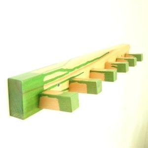 Un model de cuier din lemn de fag care nu necesita o cantitate mare de lemn si nici foarte multa munca pentru ca este usor de realizat