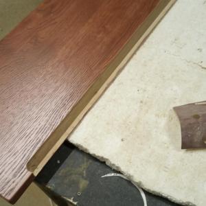 am frezat manerele fronturilor de sertare din stejar folosind doua tipuri de freze