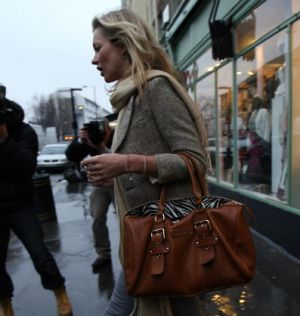 katemosslongchamp-gloucester-bag1