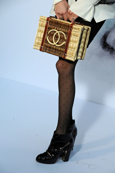 Chanel+PFW+Ready+Wear+Fall+Winter+2011+Photocall+RkQ19pWJcnvl