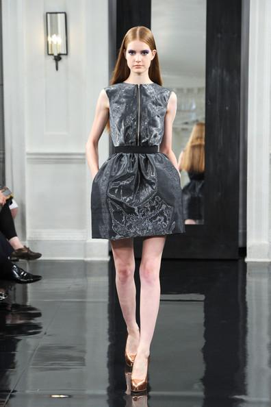 Victoria+Beckham+Dresses+Presentation+Spring+bFG2qJG3DWwl