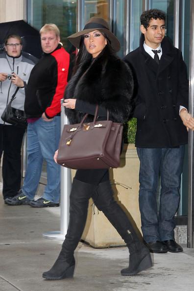 Kim+Kardashian+Handbags+u6yi40c4wM_l