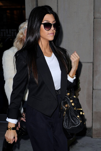 Kourtney+Kardashian+Clothes+iLOXRgVwkh_l