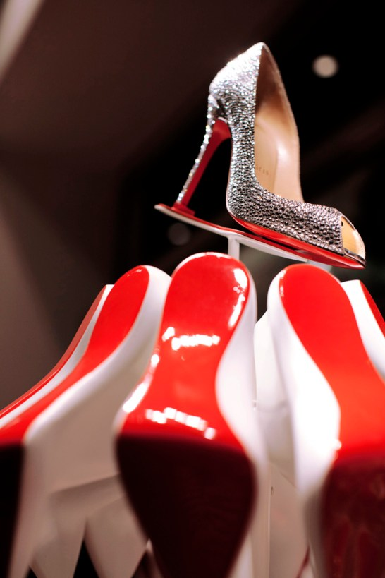 Christian-Louboutins-Christmas-tree-display