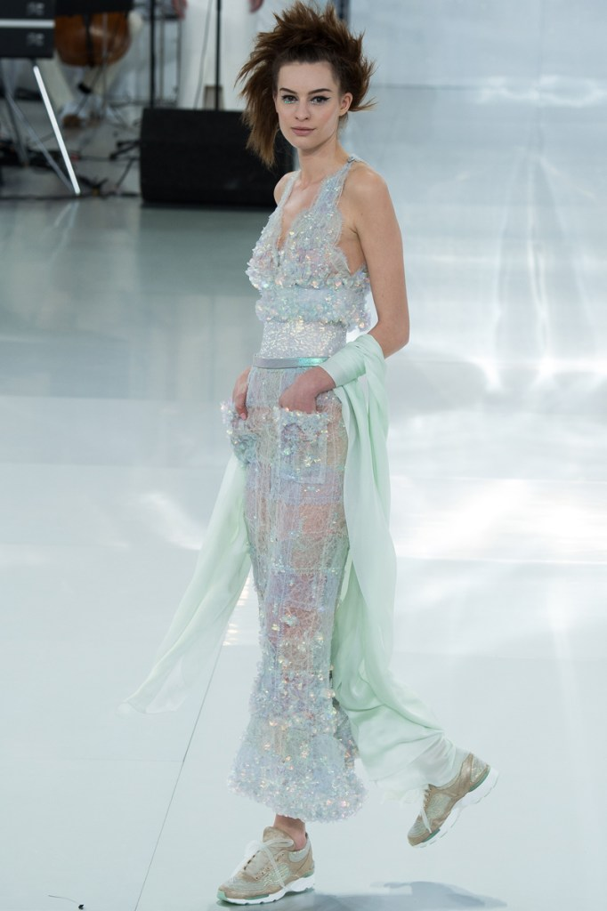 chanel-spring-2014-couture-52_104809984722