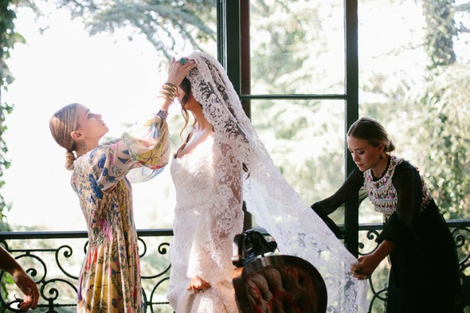 molly-fishkin-wedding-08_165152496179