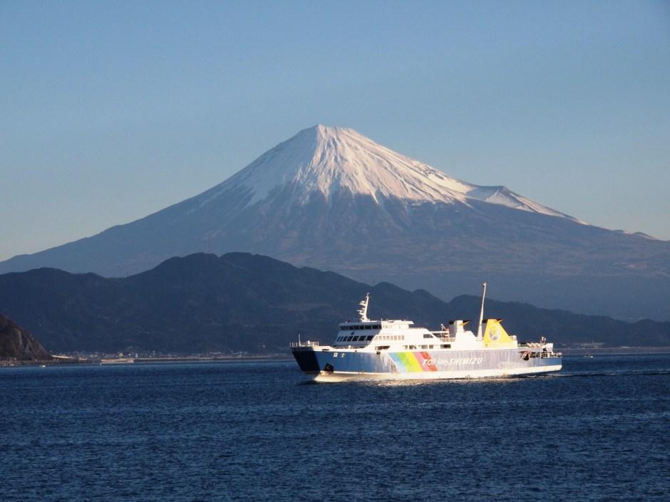 Look over beautiful Mt.Fuji on the sea: Suruga Bay Ferry