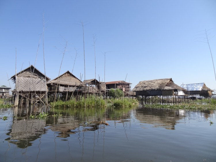 floating houses of Inle Lake