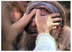 Jesus abrindo os olhos de um cego de nascença