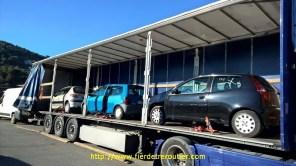 Chargement de véhicules de luxes, St Laurent du Var.