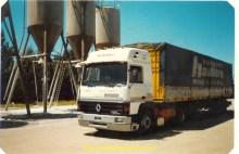 Mon Renault 340 avec la remorque Hautière