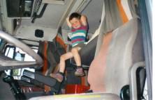 Sébastien après sa sieste dans l'Iveco
