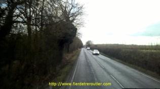 Ces bonnes vieilles routes anglaises, pas larges et bien grasses !