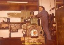 Mr Jurano à l'oeuvre sur un moteur de TR