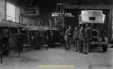 L'atelier Frappa à la fin des années 30. Les ouvriers sont de véritables artistes, au savoir-faire jalousement gardé