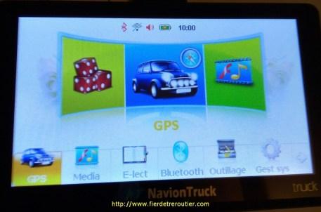 GPS , média, e-lect (lire les e-books), connexion Bluetooth, radio, calculatrice, paramètres