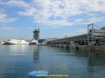 port de Marseille devant la future tour CGM - CMA