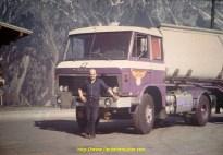 1974 Bernard Wauthier devant un LF 202 remotorisé avec un moteur Scania V8.