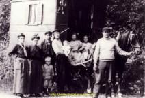 Grand pere à Denis qui est sur la porte gauche de la Gitane