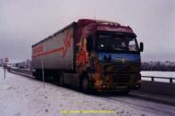 """photo du FH 12 a Donatien pris en 1997 lors """"d'un voyage"""" en suede meme avec 10 cm de neige les camions roule a 80 Km/h !!!!!"""