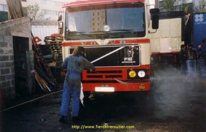 F10 de 1987 de 320 ch conduit par Jean Pierre le camion qu'il a le plus regretté.