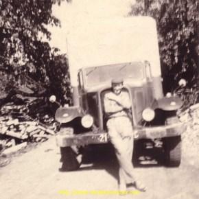 Le père de Denis, qui, par la suite deviendra chauffeur pour son fils..