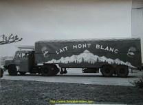 Encore une belle pub pour le lait Mont Blanc, avec cette semi, visblement attelée à un Bernard T150.35.