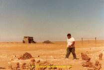 Il était derrière moi lorsque j'ai freiné afin d'essayer d'éviter le chameau. Il a failli manger ma remorque. A croire qu'il est sous alimenté.