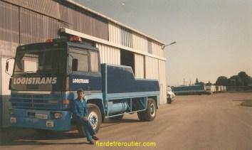le gr305 ancien camion-remorque modifié en dépanneuse