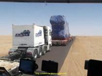 On est resté longtemps derrière ce convoi à 20km/h, il a fallu le doubler au bon endroit, pas si facile que ça