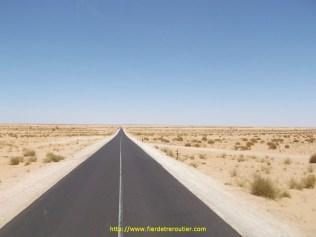 des lignes droites à perte de vue sans aucun village ni rien, ça fait bizarre